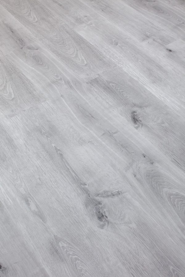 Titanio Oak