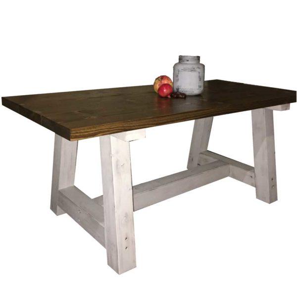 The-farmhouse-table